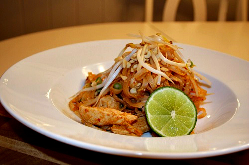 Spicy Chicken Pad Thai